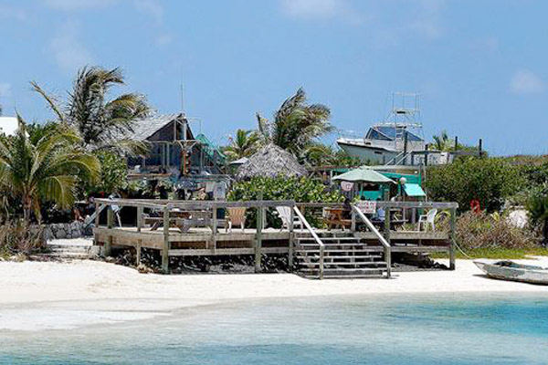 Petes Pub & Gallery at Great Abaco Island