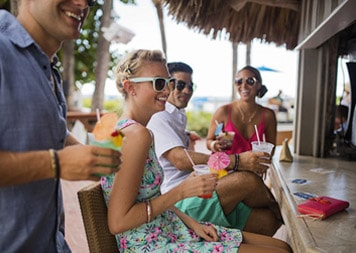 st-pete-dine-saltys-poolside-beach-bar-at-island-grand