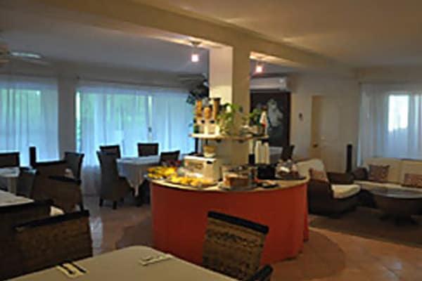 isla-mujeres-dine-breakfast-lounge