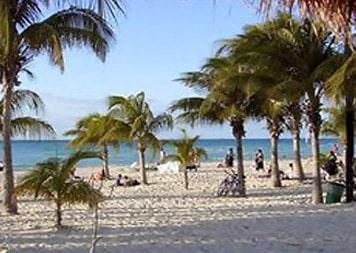 isla-mujeres-play-beachcombing2