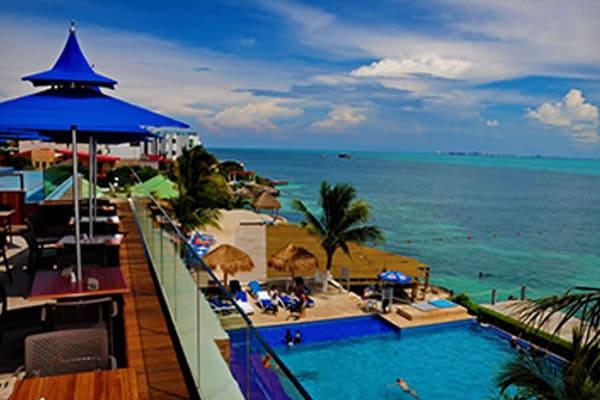 isla-mujeres-play-dolphine-experience2